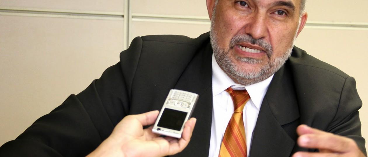 À procura de emprego, Joaquim Haickel elogia Flávio Dino e critica Roseana Sarney