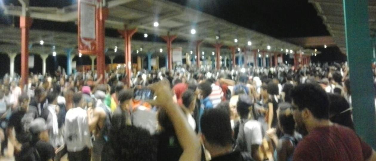 PM agride e prende estudantes em protesto contra aumento da passagem em São Luís