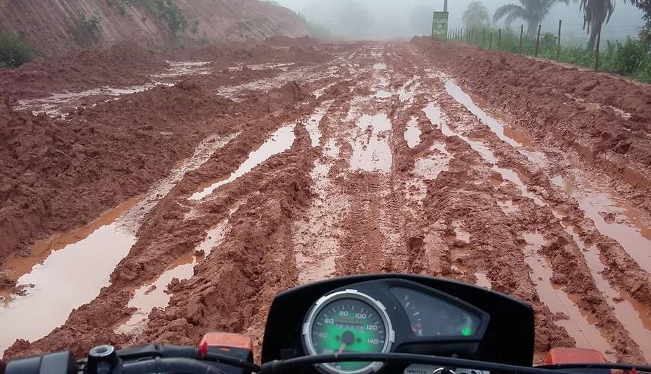 Veja a situação de abandono da MA-245, estrada onde Caco Barcellos ficou atolado