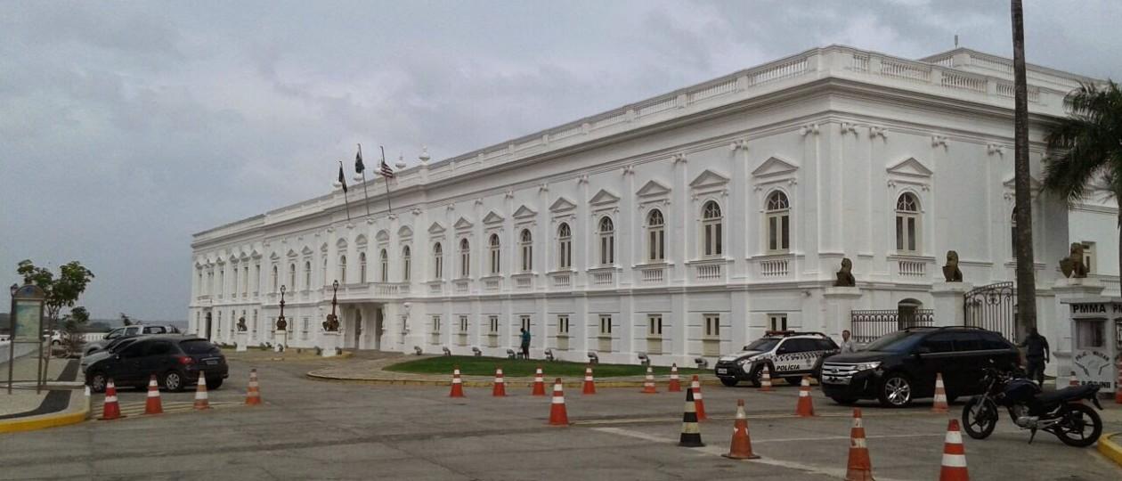 Retirada de grades do Palácio dos Leões foi em atendimento a Ação Popular de advogado