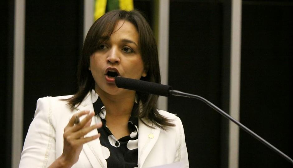 A pedido de Eliziane Gama, CPI do Sistema Carcerário vai investigar caos em Pedrinhas