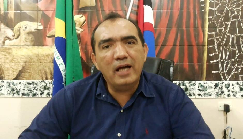 Justiça afasta Totonho Chicote da Prefeitura de Pedreiras e manda vice assumir