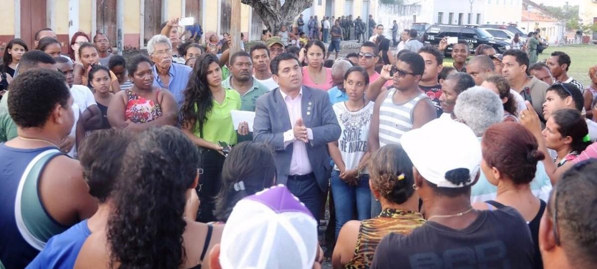 No diálogo, população atende Wellington e desfaz manifestações em Alcântara