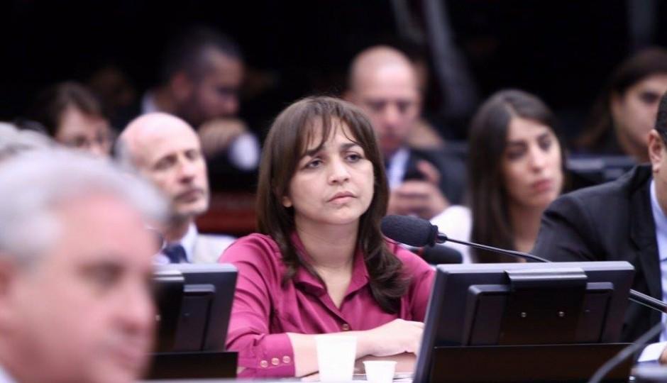 CPI da Petrobras: Eliziane evita perguntar sobre doação da UTC a Flávio Dino