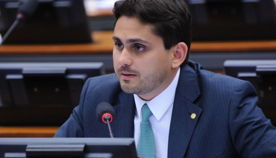CCJ aprova substitutivo de Juscelino Filho que dá 'direito ao esquecimento' para políticos