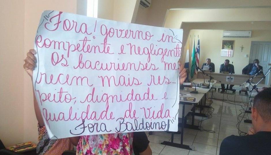 População volta a cobrar na Câmara cassação do prefeito de Bacuri