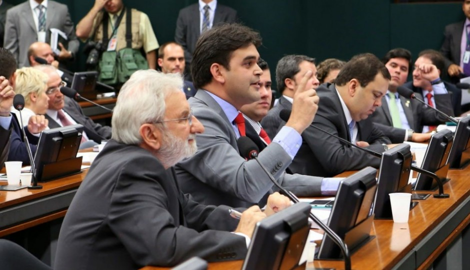 Rubens Júnior desmente Flávio Dino em denúncia sobre apadrinhamento no governo