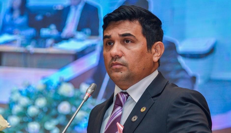 Wellington volta a denunciar inoperância de Sebastião Madeira no transporte público
