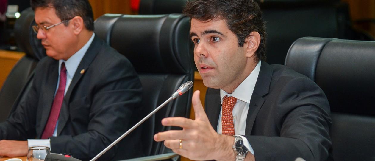 Emenda de Adriano Sarney obriga governo a realizar concurso para a Emap