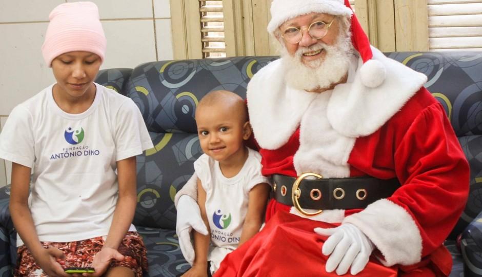 Árvore Solidária: Fundação Antonio Jorge Dino e Casa Sonho de Criança recebem presentes