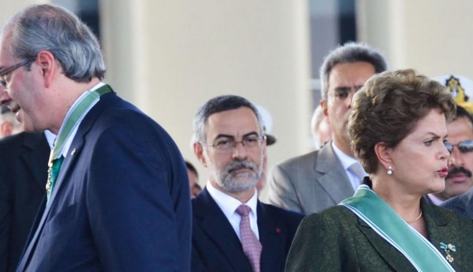 Eduardo Cunha aceita pedido e impeachment de Dilma será analisado no Congresso