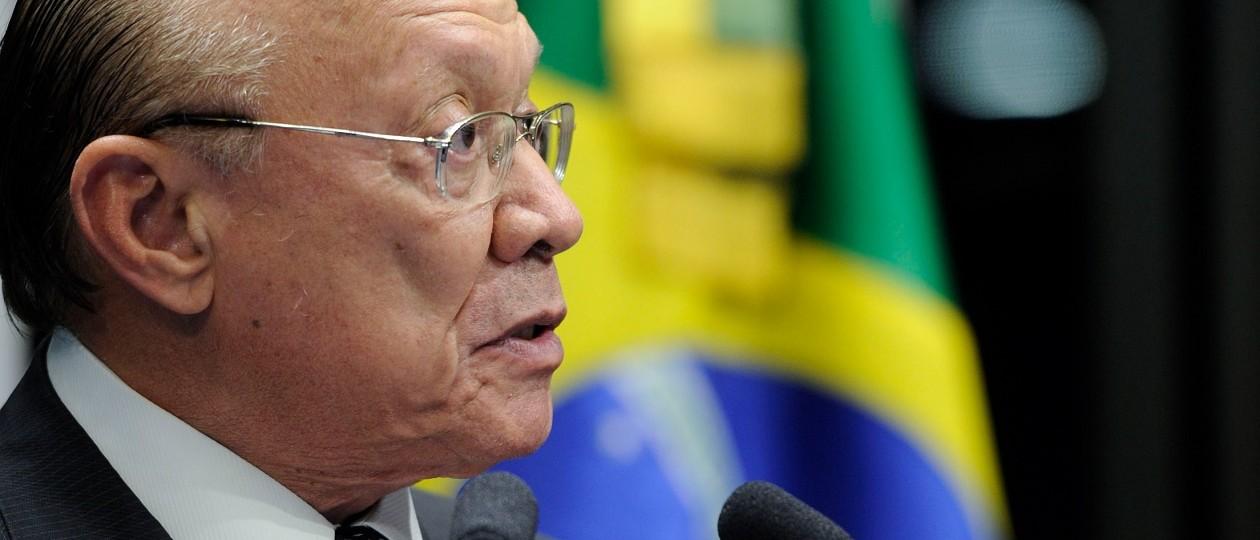 João Alberto recebe pedido de cassação do mandato de Delcídio do Amaral