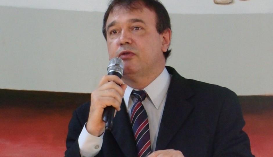 Guerra surda entre PCdoB e PDT pelo ICMS da Suzano derruba Carlinhos Amorim
