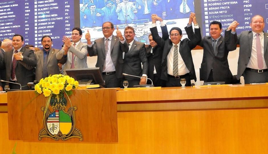 Deputados do MA levarão R$ 200 mil cada para abdicarem de independência ao governo