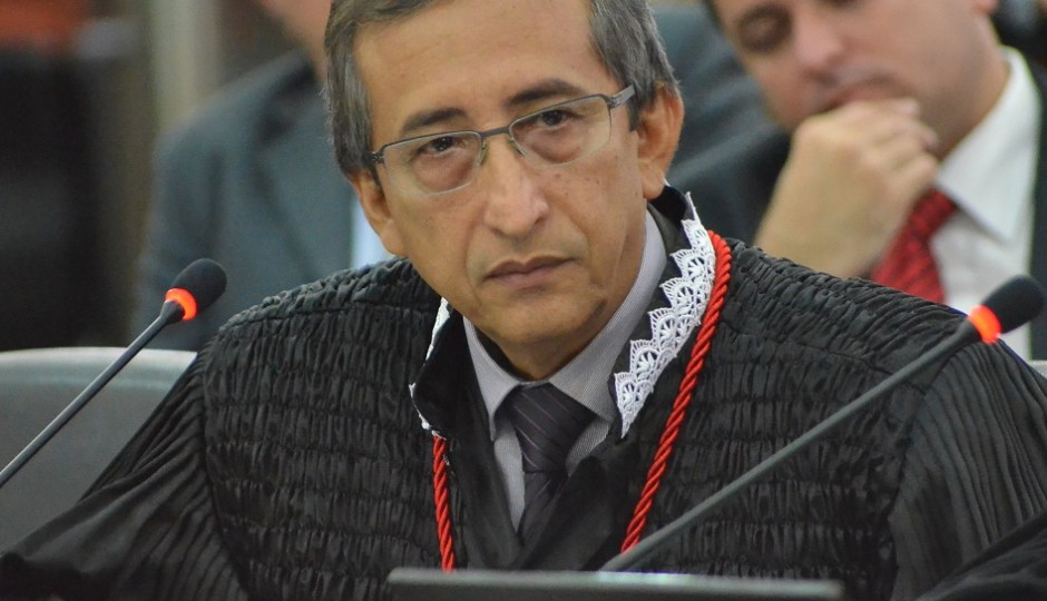 Raimundo Barros atropela a própria decisão e provoca novo atraso em julgamento da MP 195