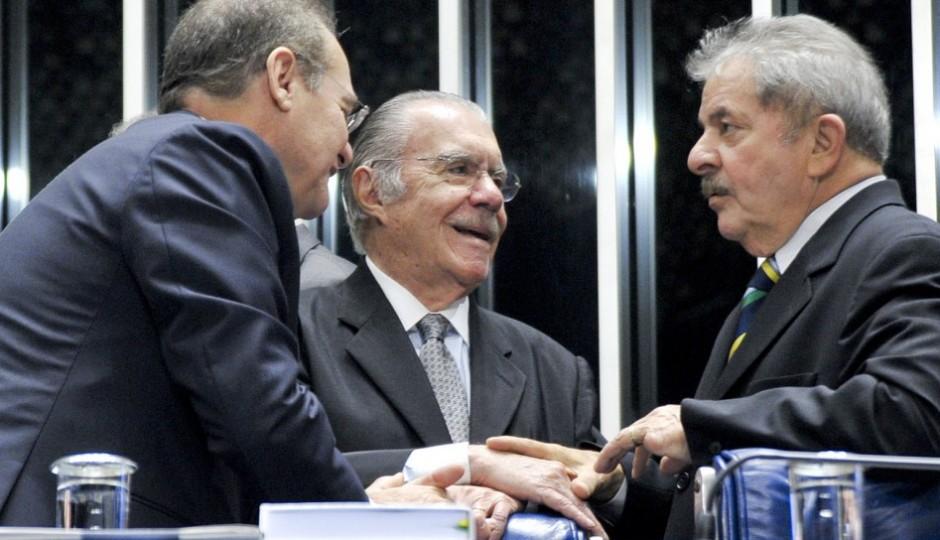 Lula pede ajuda a Sarney para articulação contra impeachment