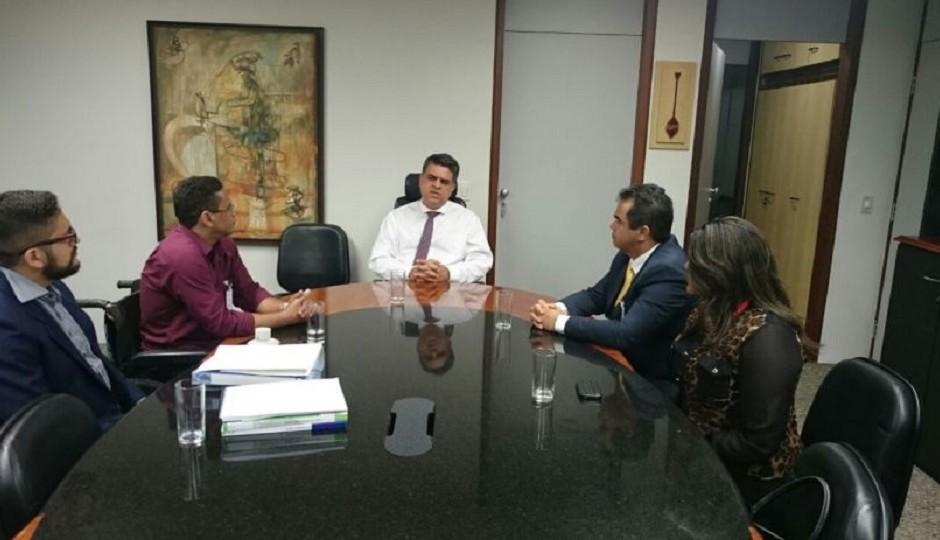 Inércia de Flávio Dino leva Sindjus a buscar perdas inflacionárias no CNJ