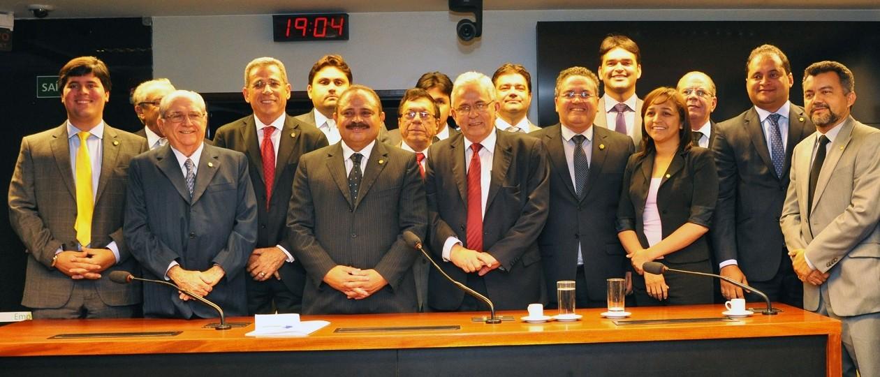 Bancada maranhense dá 10 votos a favor do impeachment de Dilma