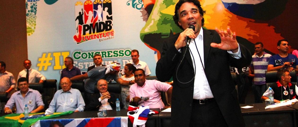 Favorável ao impeachment, Lobão Filho assumirá vaga do pai no Senado