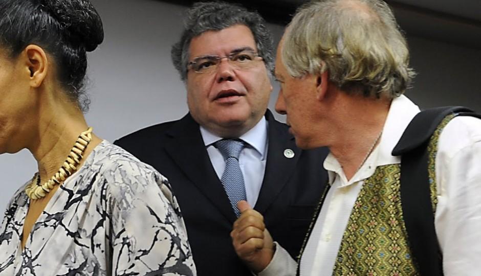Sarney Filho desbanca Roseana e garante ministério no governo Temer