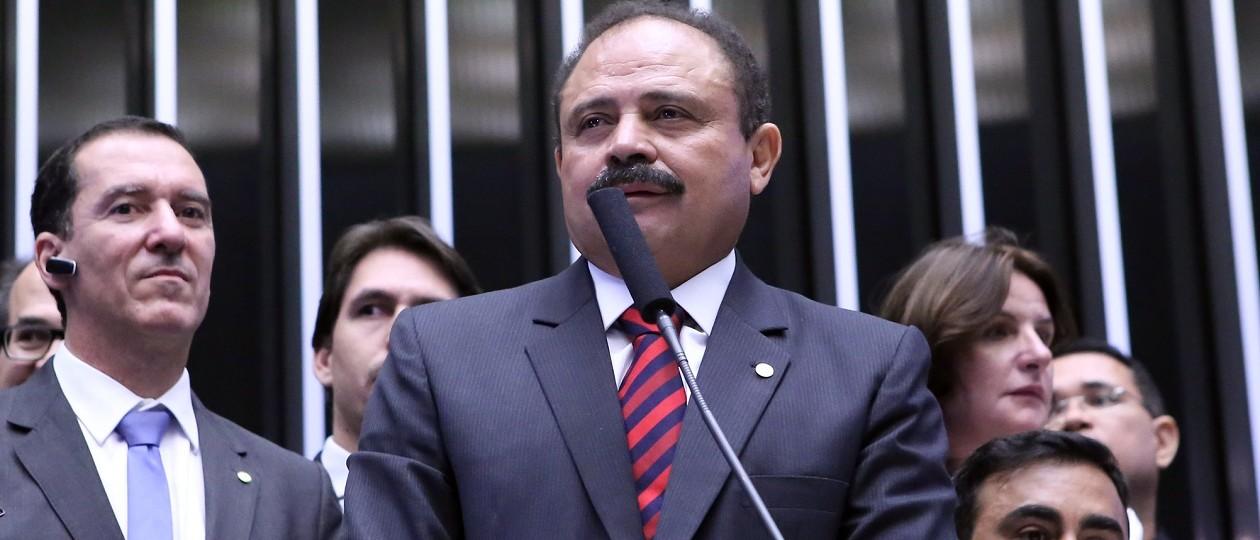 Filho de Waldir Maranhão já recebeu quase R$ 200 mil como fantasma de Edmar Cutrim