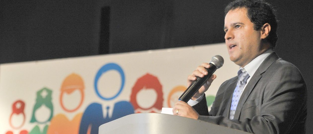 Calote de Edivaldo deixa 85 mil alunos sem aula por tempo indeterminado
