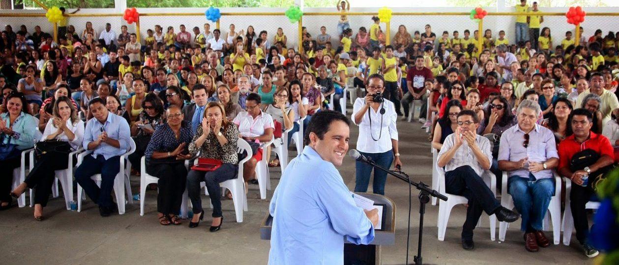 São Luís: Professores aprovam indicativo de greve; 85 mil alunos ficarão sem aulas