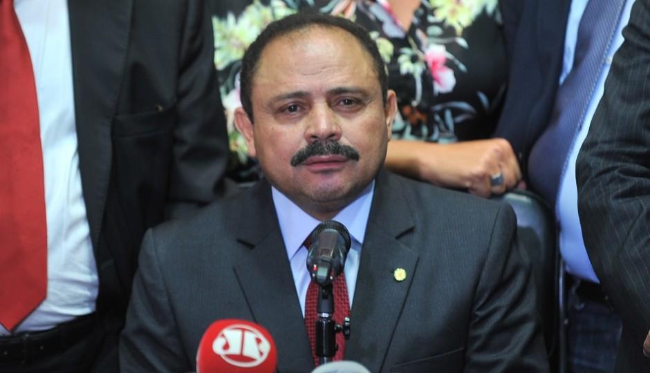Waldir Maranhão revoga a própria decisão de anular o impeachment