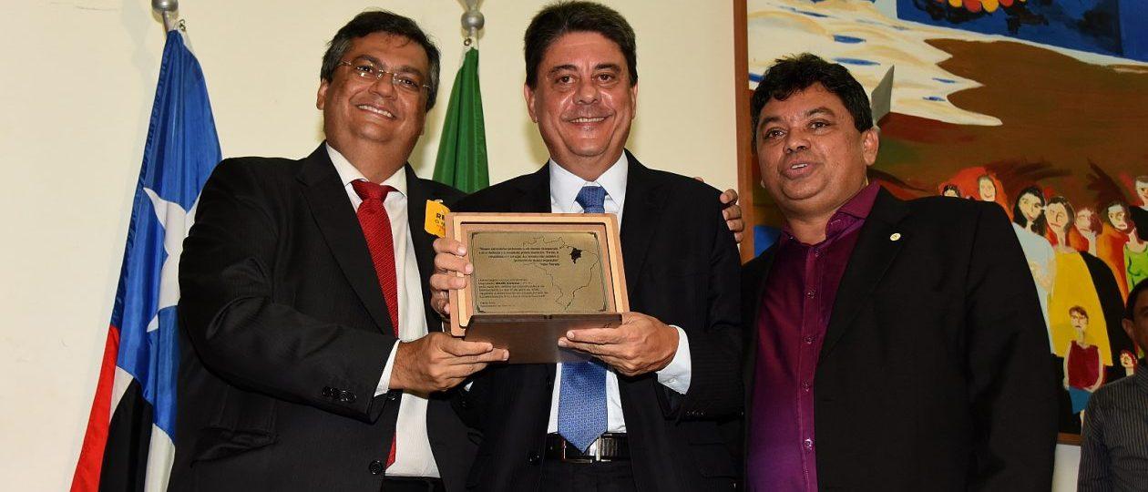 Homenageado como herói por Flávio Dino quer restringir delação premiada