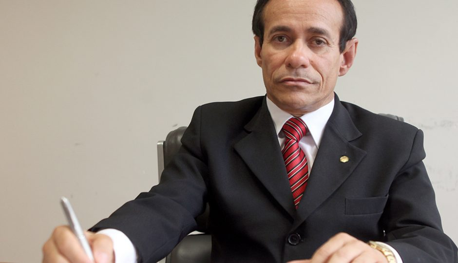 Pinto opera vice de Eliziane Gama para garantir vaga de vereador para o filho