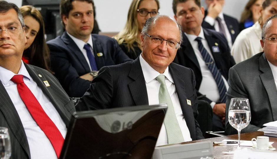 Dilmista, Flávio Dino afirma que ainda vai analisar proposta de Temer