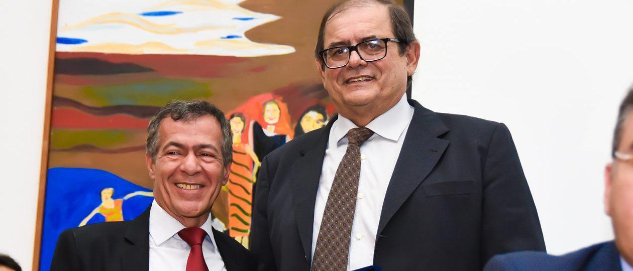 Amigo do presidente, diretor de Comunicação da AL-MA ganha quase R$ 19 mil