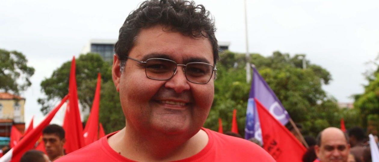 Mário Macieira avisa alunos da UFMA que disputará a prefeitura