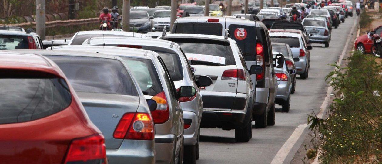 Motoristas que não cometerem infração no trânsito poderão ter desconto no IPVA