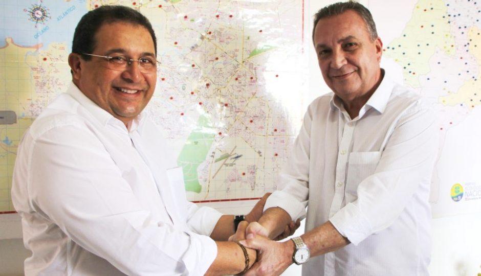 Jota Pinto abre mão de pré-candidatura e oficializa apoio a Luis Fernando