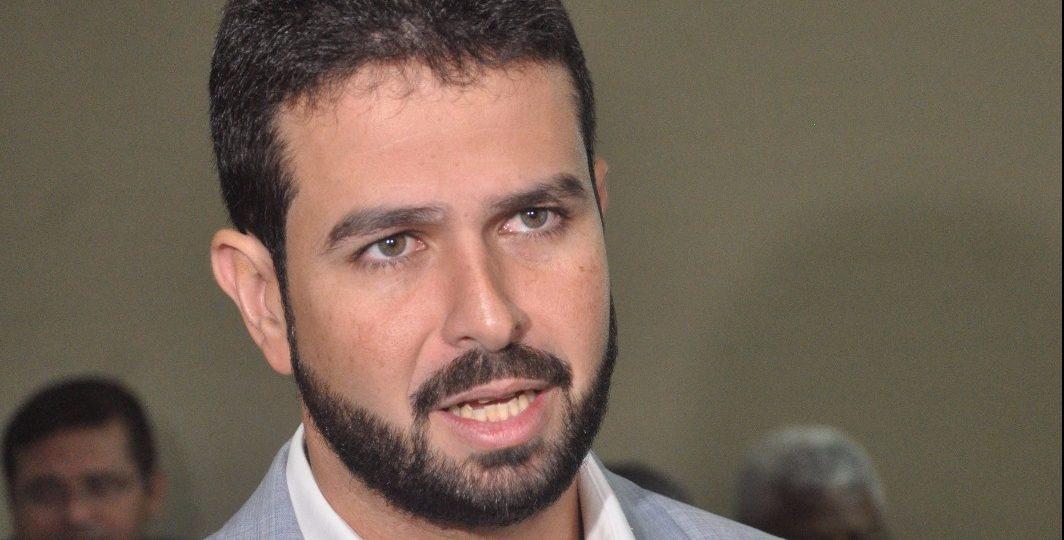 Justiça barra movimentação suspeita de R$ 8,9 milhões de Gil Cutrim em período vedado
