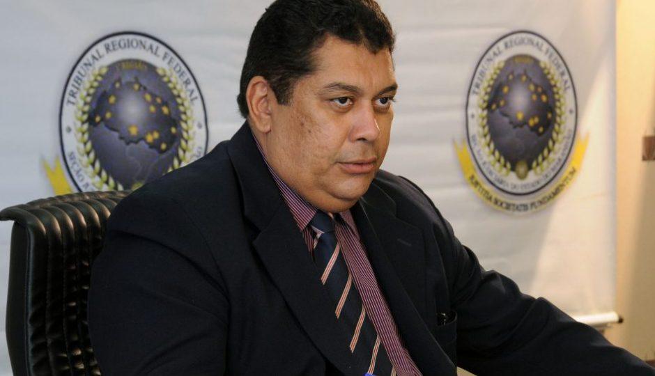 Conheça Magno Linhares, juiz responsável pela soltura e retorno de Lidiane à prefeitura