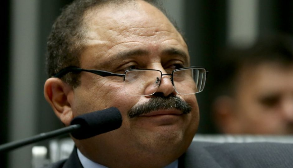 Waldir Maranhão é condenado a devolver R$ 10 milhões por irregularidades na Uema