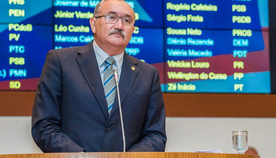 César Pires cobra tramitação da PEC da Emenda Impositiva