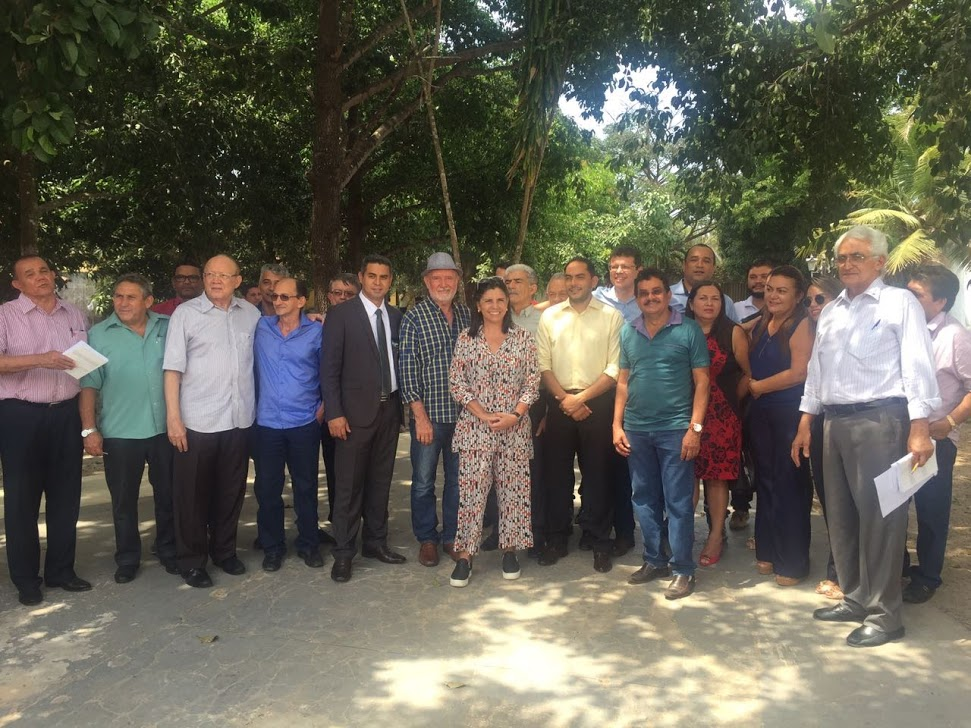 Roseana Sarney se antecipa a Flávio Dino e reúne prefeitos eleitos no MA