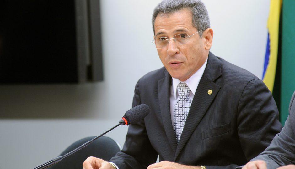 Zé Carlos assina manifesto de repúdio à anistia ao caixa 2 e pode deixar o PT