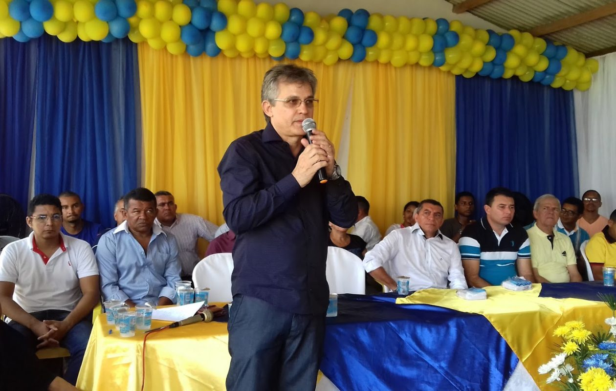 Prefeito eleito de Timbiras pode ser cassado por suposta troca de votos por gasolina