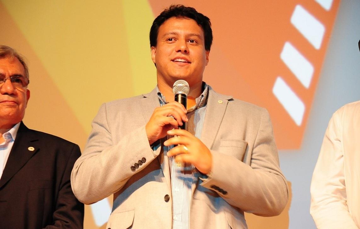 Deputados põem sob suspeita contrato de R$ 4,9 milhões da Seduc