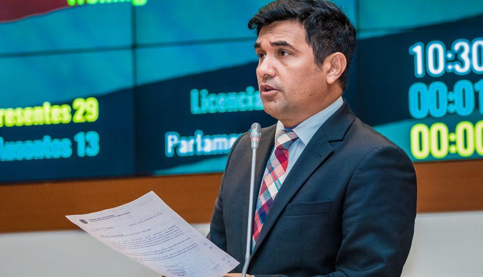 Dos 42 deputados, apenas um presta contas sobre destino de suas emendas