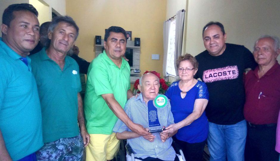Fórum em Defesa da Baixada homenageia Isaac Dias e Bitinha