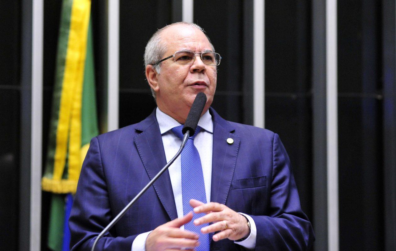 Hildo quer que Famem cobre repasses da saúde cortados por Flávio Dino