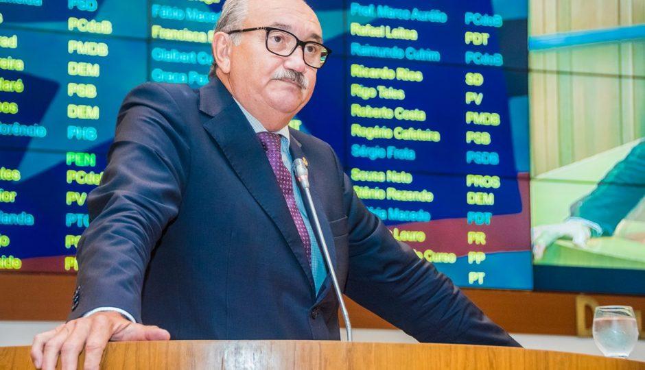 César Pires avalia decisão de retirar estados e municípios da Reforma da Previdência