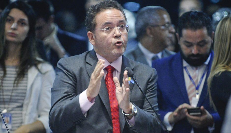 Roberto Rocha quer redução na tarifa de energia elétrica