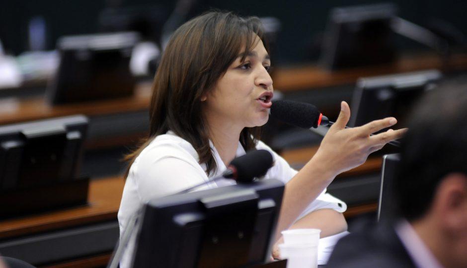 Eliziane defende renúncia de Temer e novas eleições