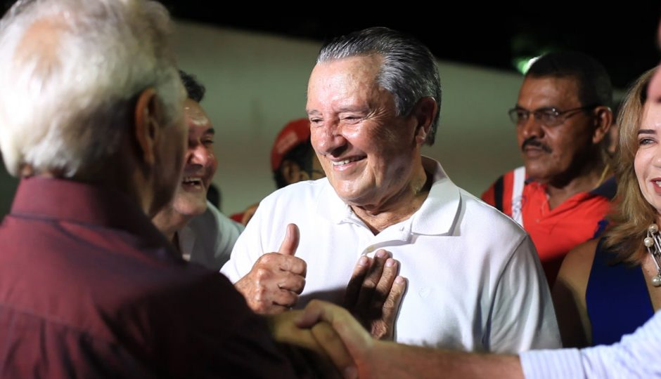 Dino terá de ungir Zé Reinaldo se quiser fazer um senador